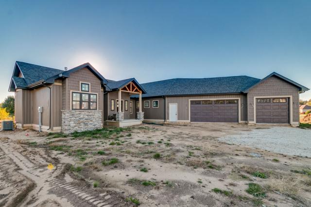 30292 Copperfield Cove Drive, Granger, IN 46530 (MLS #201847540) :: Parker Team