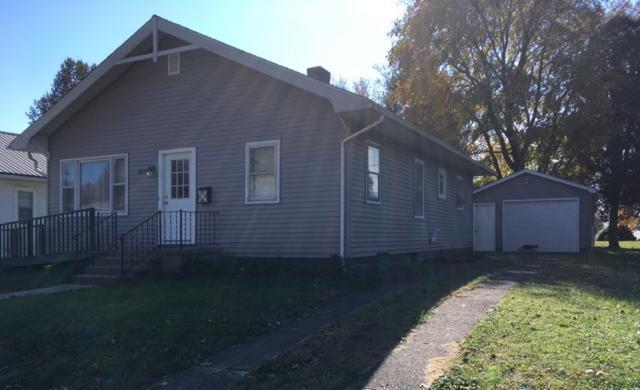 819 W 4th Street, Bicknell, IN 47512 (MLS #201849663) :: The Dauby Team