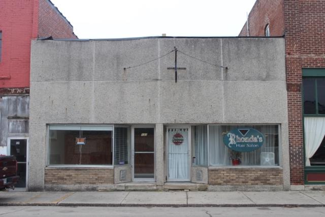 133-137 W State Street, Albany, IN 47320 (MLS #201852499) :: The ORR Home Selling Team