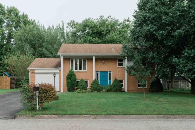 723 S Village Drive, Bloomington, IN 47403 (MLS #201900447) :: Parker Team