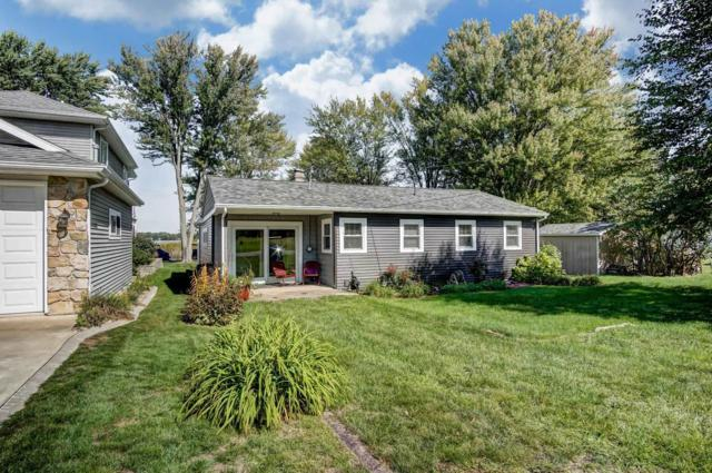 1761 Chapman Lake Drive, Warsaw, IN 46582 (MLS #201907067) :: The ORR Home Selling Team