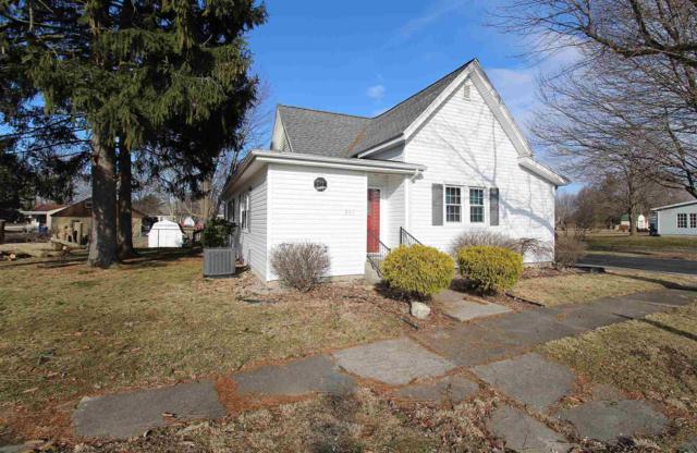 807 N Maple Street, Converse, IN 46919 (MLS #201909962) :: The ORR Home Selling Team