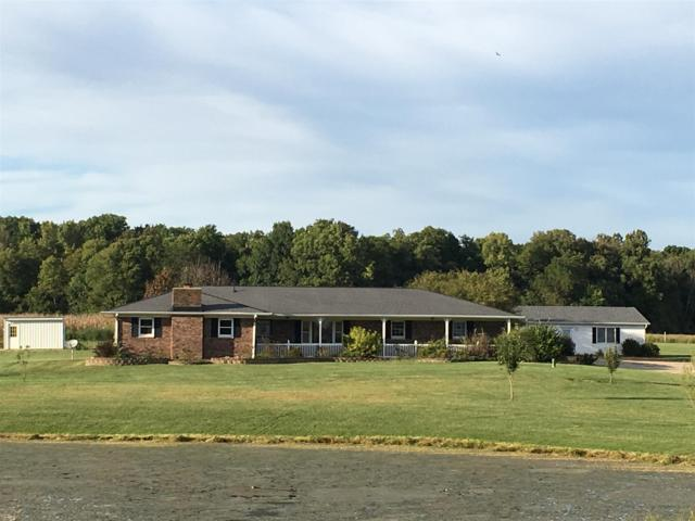 8236 N 225 W Road, Delphi, IN 46923 (MLS #201914513) :: The Romanski Group - Keller Williams Realty