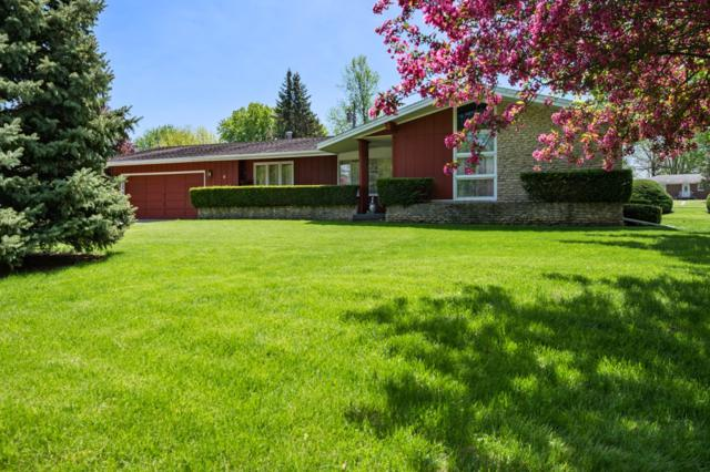 8 Crestwood Drive, Winchester, IN 47394 (MLS #201918266) :: The ORR Home Selling Team