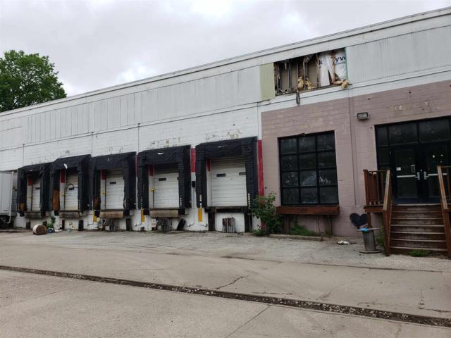 300 W Hillside Drive, Bloomington, IN 47403 (MLS #201919958) :: The ORR Home Selling Team