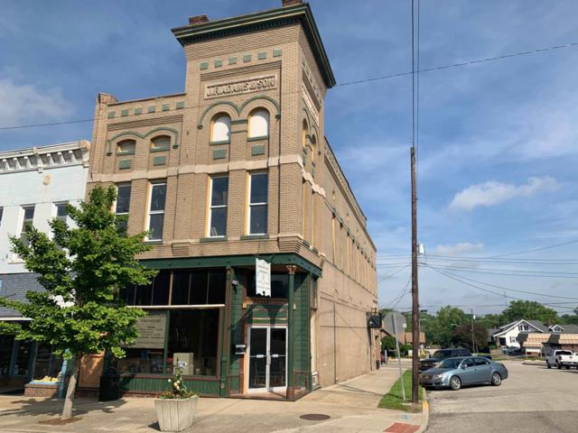 718 E Main Street, Petersburg, IN 47567 (MLS #201920102) :: The ORR Home Selling Team
