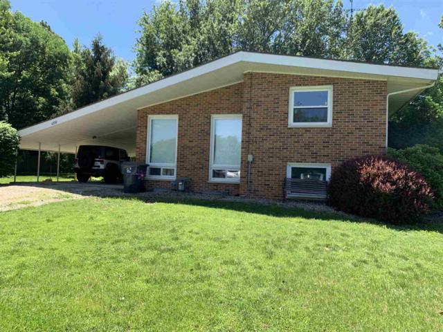 4739 N Coomer Lane, Petersburg, IN 47567 (MLS #201920116) :: The ORR Home Selling Team