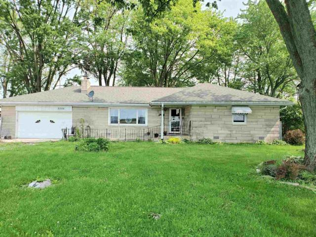 2206 W Judson Road, Kokomo, IN 46901 (MLS #201922366) :: The Romanski Group - Keller Williams Realty