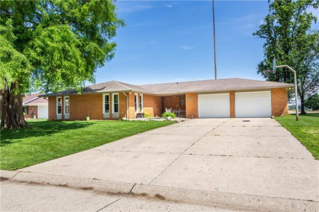 9305 S Greenway Drive, Daleville, IN 47334 (MLS #201923975) :: The ORR Home Selling Team