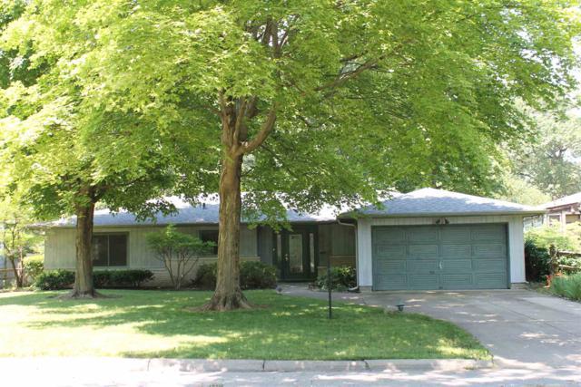 1837 Summit Drive, West Lafayette, IN 47906 (MLS #201929113) :: The Romanski Group - Keller Williams Realty