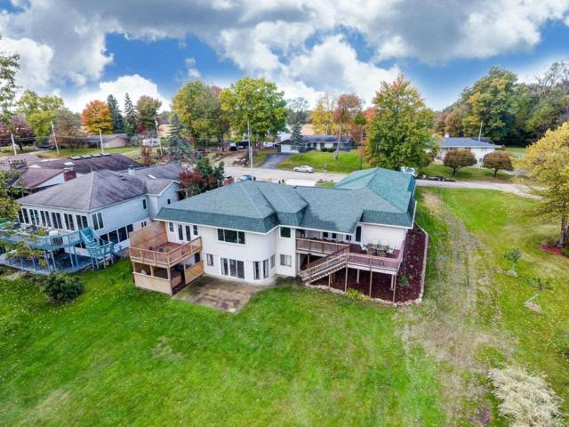 1502 Country Club Dr E Street, Warsaw, IN 46580 (MLS #201929752) :: Parker Team