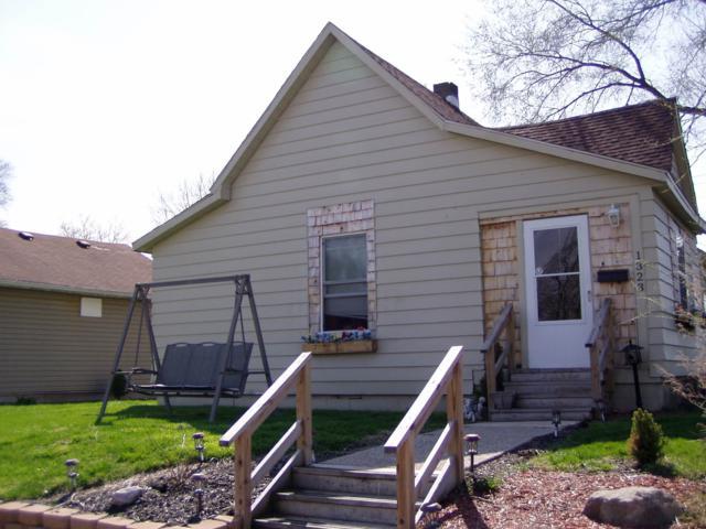 1323 S Locke Street, Kokomo, IN 46902 (MLS #201931263) :: The Romanski Group - Keller Williams Realty