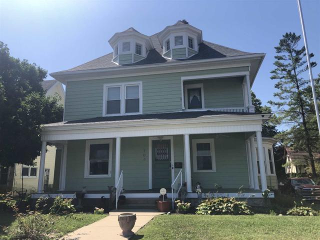 703 W 4TH Street, Marion, IN 46952 (MLS #201933550) :: The Romanski Group - Keller Williams Realty