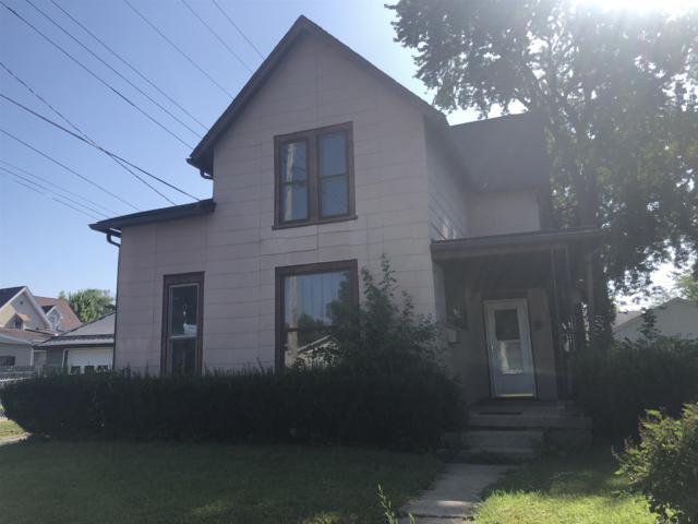 220 N F Street, Marion, IN 46952 (MLS #201934012) :: The Romanski Group - Keller Williams Realty