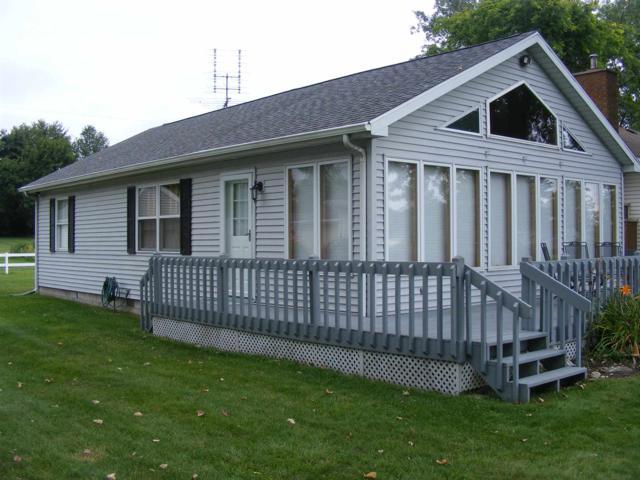 235 LANE 101 Lake Pleasant, Fremont, IN 46737 (MLS #201935407) :: TEAM Tamara