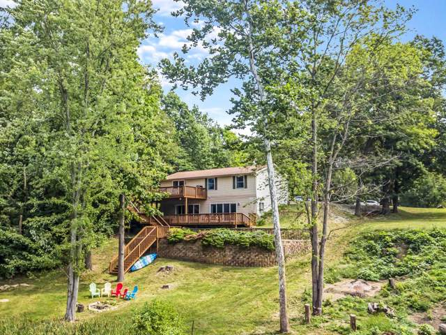 8882 E Nordman Drive, Syracuse, IN 46567 (MLS #201940540) :: Parker Team