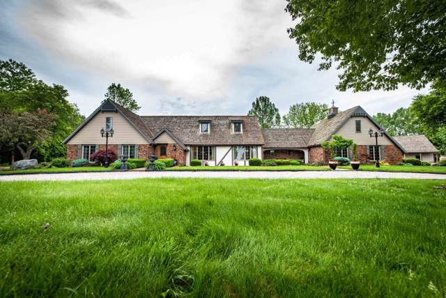 2131 W County Line Road, Fort Wayne, IN 46814 (MLS #201942370) :: Select Realty, LLC