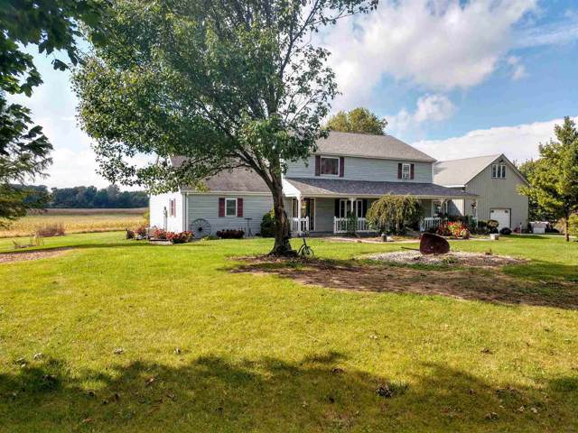 9635 S 675 W, Silver Lake, IN 46982 (MLS #201944326) :: The ORR Home Selling Team