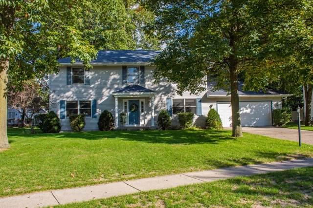 3802 Dudley Drive, Mishawaka, IN 46544 (MLS #201945649) :: The ORR Home Selling Team