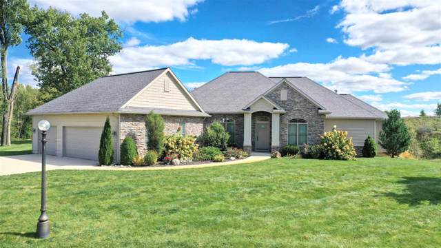 2647 E Lake Tahoe Trl Drive, Warsaw, IN 46582 (MLS #201946023) :: TEAM Tamara