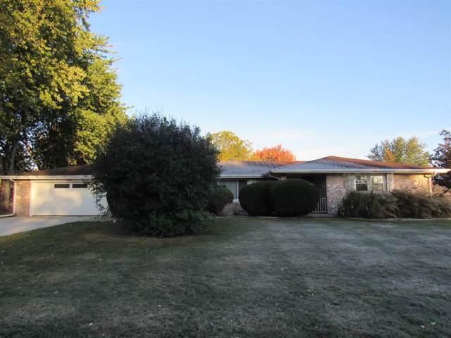 1801 Stoneview Drive, Kokomo, IN 46902 (MLS #201946075) :: The Romanski Group - Keller Williams Realty