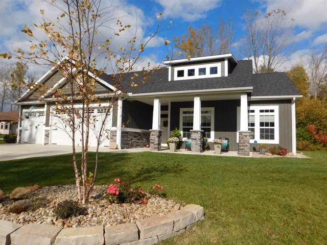 8120 E Country Club Drive, Syracuse, IN 46567 (MLS #201947686) :: Parker Team