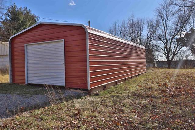 5798 E Cottonwood Drive, Monticello, IN 47960 (MLS #201951962) :: The Carole King Team