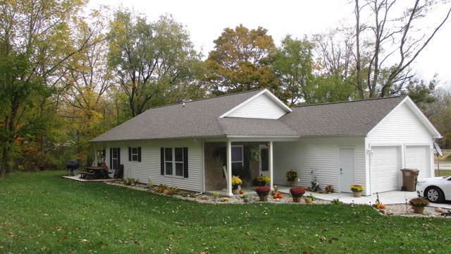 1221 E Main Street, Delphi, IN 46923 (MLS #202000594) :: The Romanski Group - Keller Williams Realty