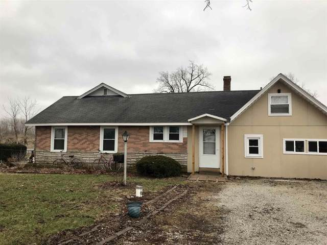 6102 N 600 W, Royal Center, IN 46978 (MLS #202002193) :: The Romanski Group - Keller Williams Realty