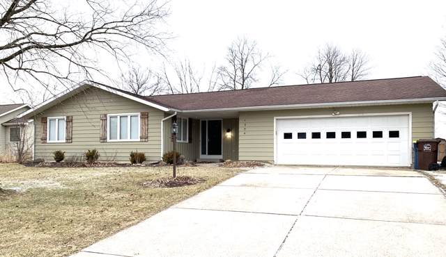 1304 N Laurel Circle, North Manchester, IN 46962 (MLS #202002410) :: The Carole King Team