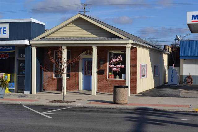 207 N Main Street, Monticello, IN 47960 (MLS #202002606) :: The Romanski Group - Keller Williams Realty