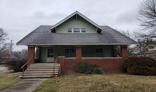 700 N Clay Street, Frankfort, IN 46041 (MLS #202004526) :: The Romanski Group - Keller Williams Realty