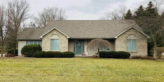 51677 Highland Shores Drive, Granger, IN 46530 (MLS #202004595) :: The ORR Home Selling Team