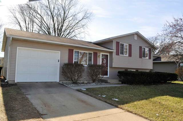3015 Colonial Drive, Mishawaka, IN 46544 (MLS #202005223) :: The ORR Home Selling Team