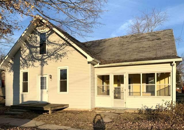 41 N Main Street, Laketon, IN 46943 (MLS #202006185) :: The Romanski Group - Keller Williams Realty