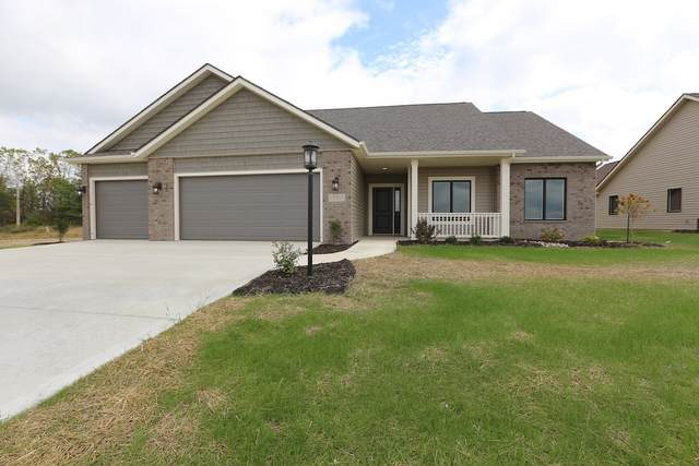 15310 Annabelle Place, Leo, IN 46765 (MLS #202007237) :: The ORR Home Selling Team
