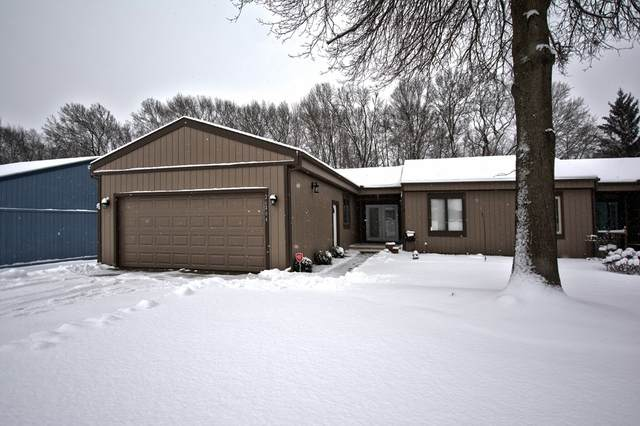 26404 Quail Ridge Drive, Elkhart, IN 46514 (MLS #202007261) :: The ORR Home Selling Team