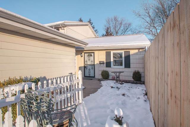 1915 Greenock Street, South Bend, IN 46614 (MLS #202007408) :: The ORR Home Selling Team