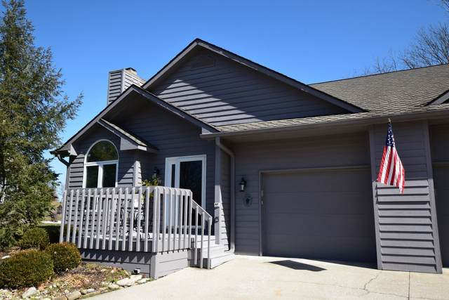 9409 S Harbour Pointe Drive, Bloomington, IN 47401 (MLS #202007811) :: The ORR Home Selling Team