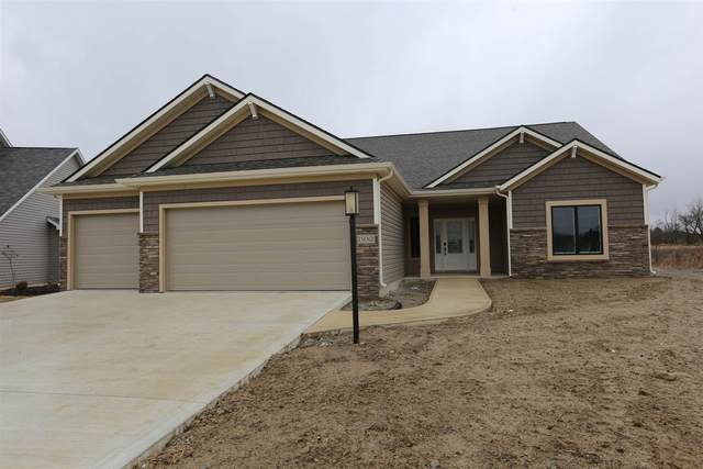 15012 Leo Creek Boulevard, Leo, IN 46765 (MLS #202008428) :: The ORR Home Selling Team