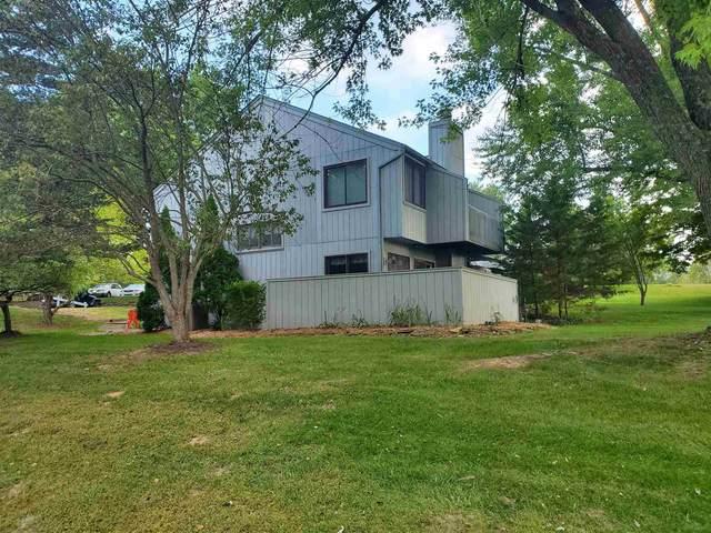 9033 S Pointe Ridge Drive Bldg 2 Unit 17, Bloomington, IN 47401 (MLS #202008506) :: The ORR Home Selling Team