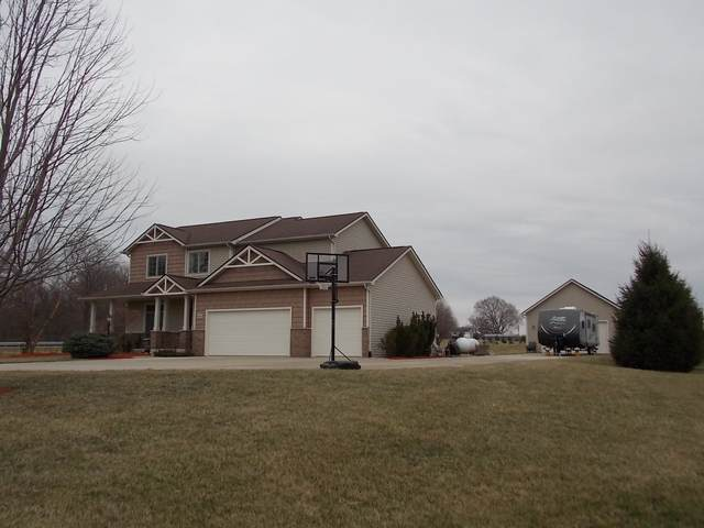 9548 Sienna Springs Drive, Grabill, IN 46741 (MLS #202010022) :: The ORR Home Selling Team