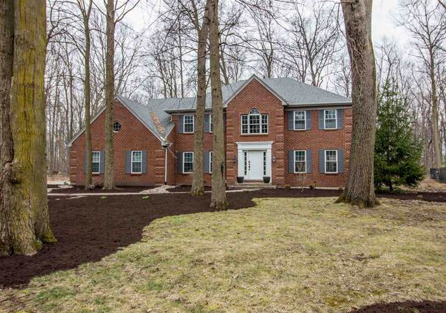 10915 Country Wood Trail, Fort Wayne, IN 46845 (MLS #202010378) :: The ORR Home Selling Team