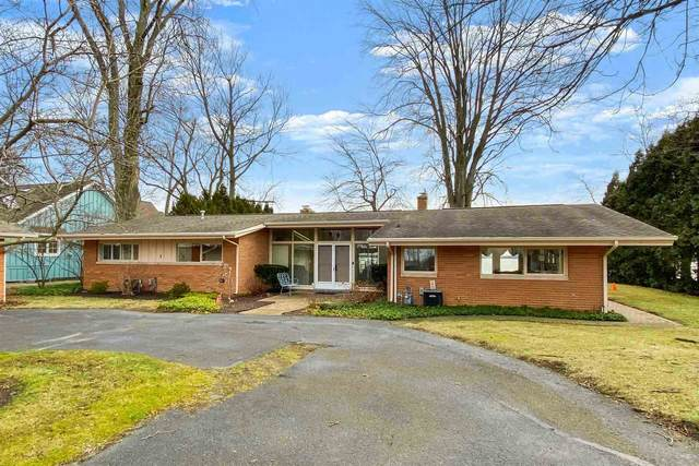 6167 E Pickwick Park Drive, Syracuse, IN 46567 (MLS #202011243) :: Anthony REALTORS