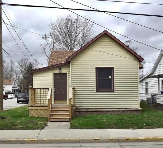 1100 E Vaile Avenue, Kokomo, IN 46901 (MLS #202011466) :: The Romanski Group - Keller Williams Realty