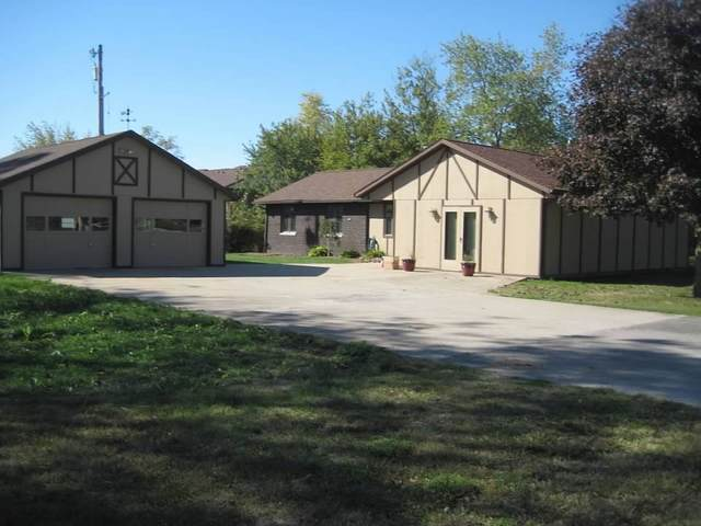 902 E 9th Street, Fowler, IN 47944 (MLS #202011467) :: The Romanski Group - Keller Williams Realty