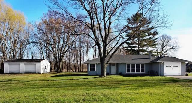 1100 Eckhart Ave, Auburn, IN 46706 (MLS #202011911) :: The ORR Home Selling Team