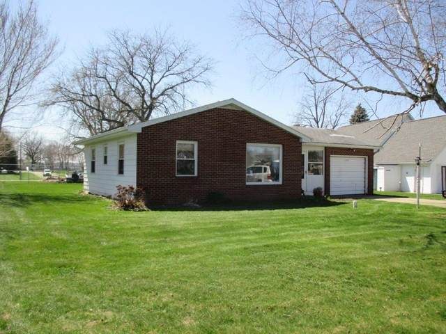 9145 E Snow White Road, Cromwell, IN 46732 (MLS #202012498) :: TEAM Tamara