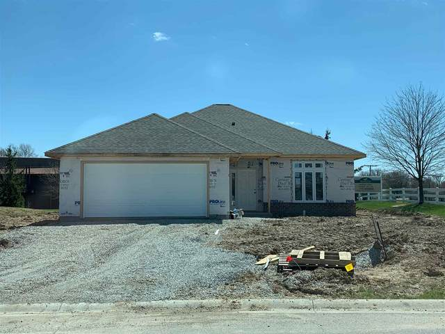7402 Trotters Chase Lane, Fort Wayne, IN 46815 (MLS #202013871) :: Anthony REALTORS