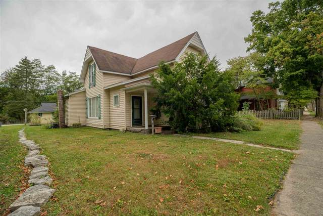 424 S Mill Street, Fairmount, IN 46928 (MLS #202014865) :: The Carole King Team